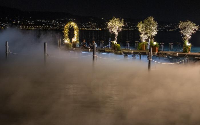 Fog show on Zuerichsee